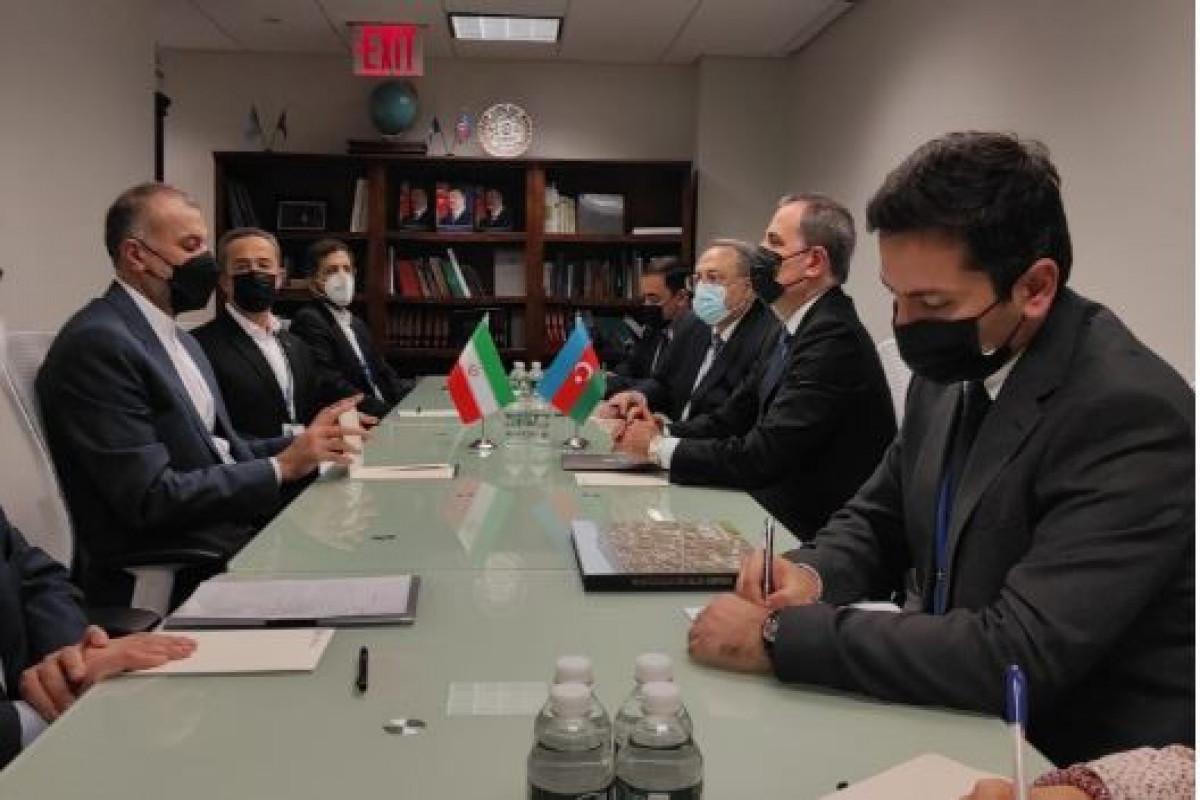 Джейхун Байрамов встретился с министром иностранных дел Ирана