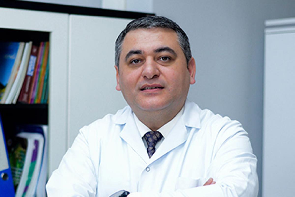 Заразившийся коронавирусом хирург Ниязи Эминов отключен от аппарата ИВЛ