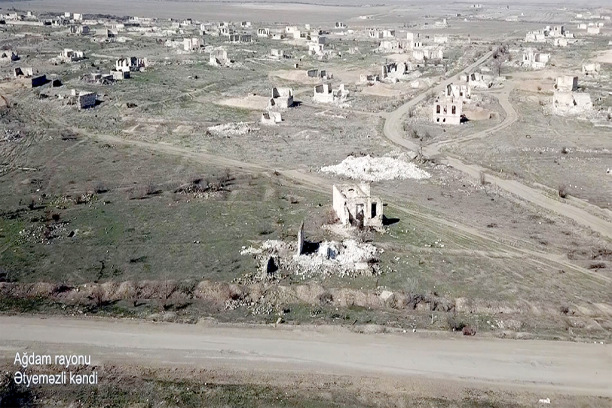 """Azerbaijani MoD released video footage of the Atyemazli village of the Aghdam region -<span class=""""red_color"""">VIDEO"""