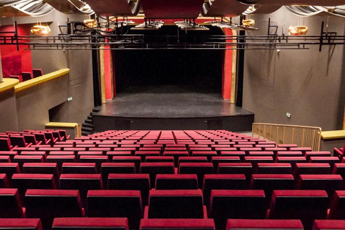 Возобновляется деятельность театров и кинотеатров