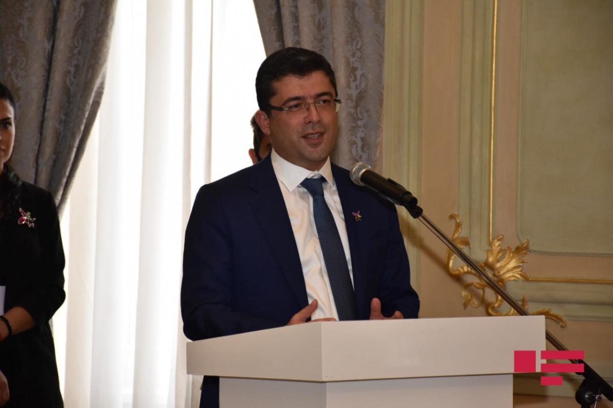 """""""TÜRKSOY-un Media Mükafatı""""nı alan jurnalistlərlə görüş keçirilib"""