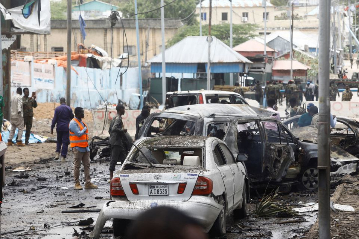 Suicide car bomb targeting convoy in Somali capital kills at least 8