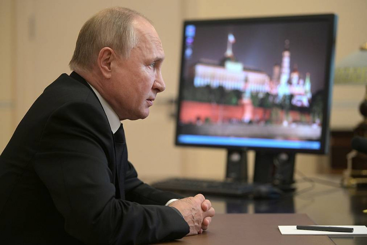 Putin calls for state order in mass media