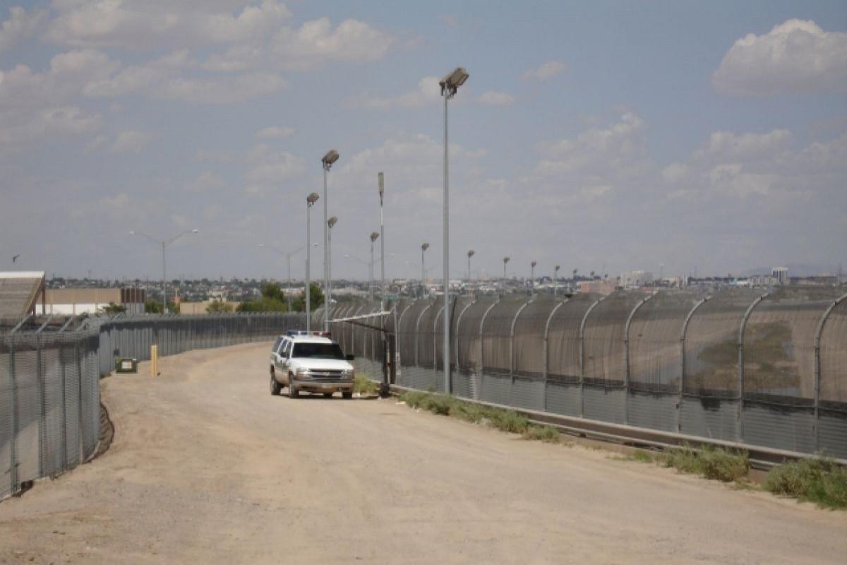 В США задержали 14 мексиканских военных, случайно пересекших границу