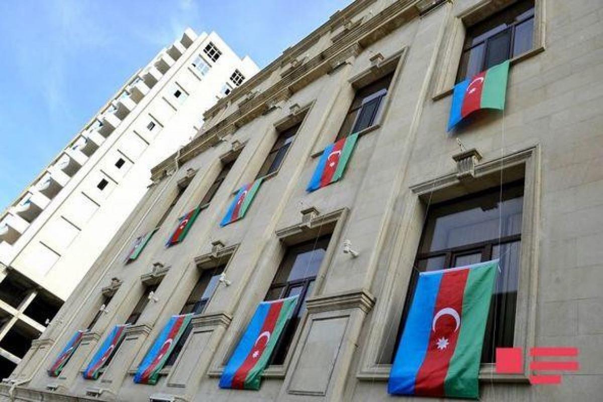 Призываем всех завтра повесить на балконах флаги Азербайджана