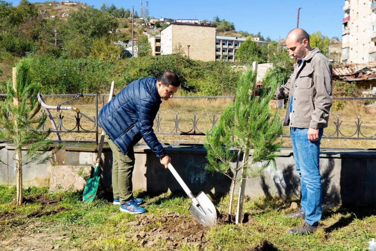 Дети шехидов приняли участие в акции по посадке деревьев в Шуше