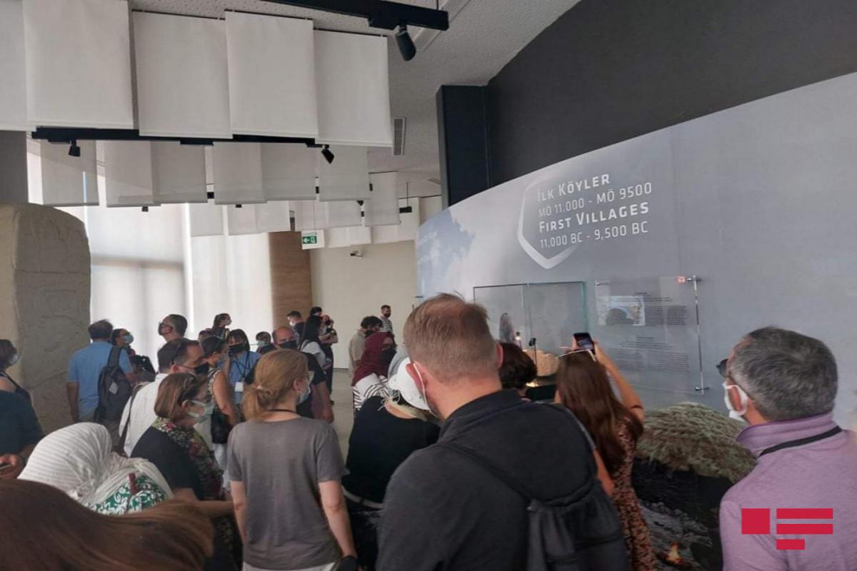 Dünyanın 27 ölkəsindən olan jurnalistlərin Göbəklitəpə və Karahantəpəyə media-turu təşkil olunub - FOTO
