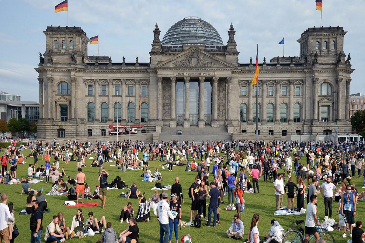 В Германии опубликовали первые данные экзит-поллов