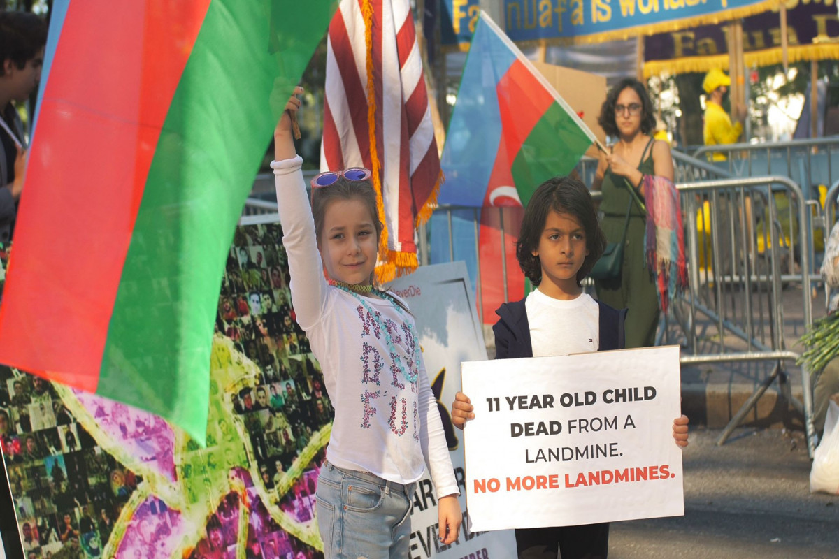 ABŞ-da BMT binası qarşısında Anım Günü ilə bağlı aksiya keçirilib - FOTO