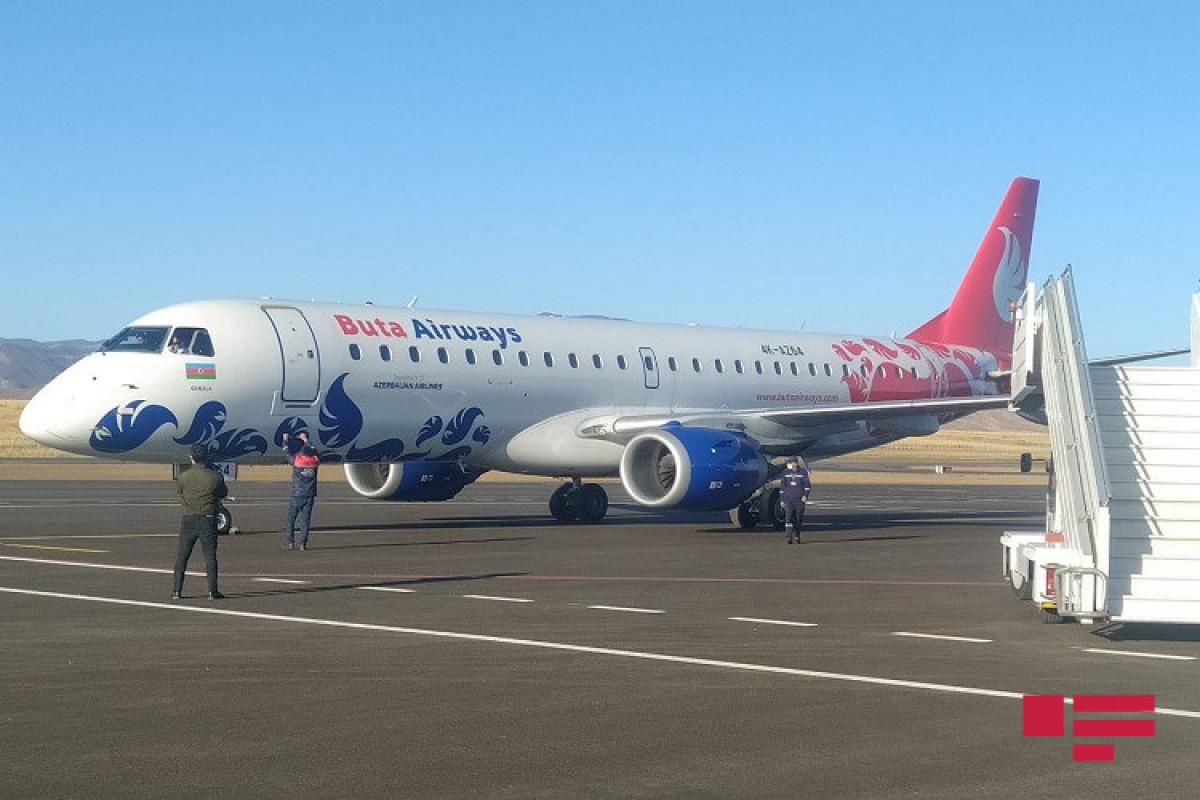 Группа международных путешественников впервые посетила Карабах, вылетев пробным коммерческим рейсом в Физули-ФОТО