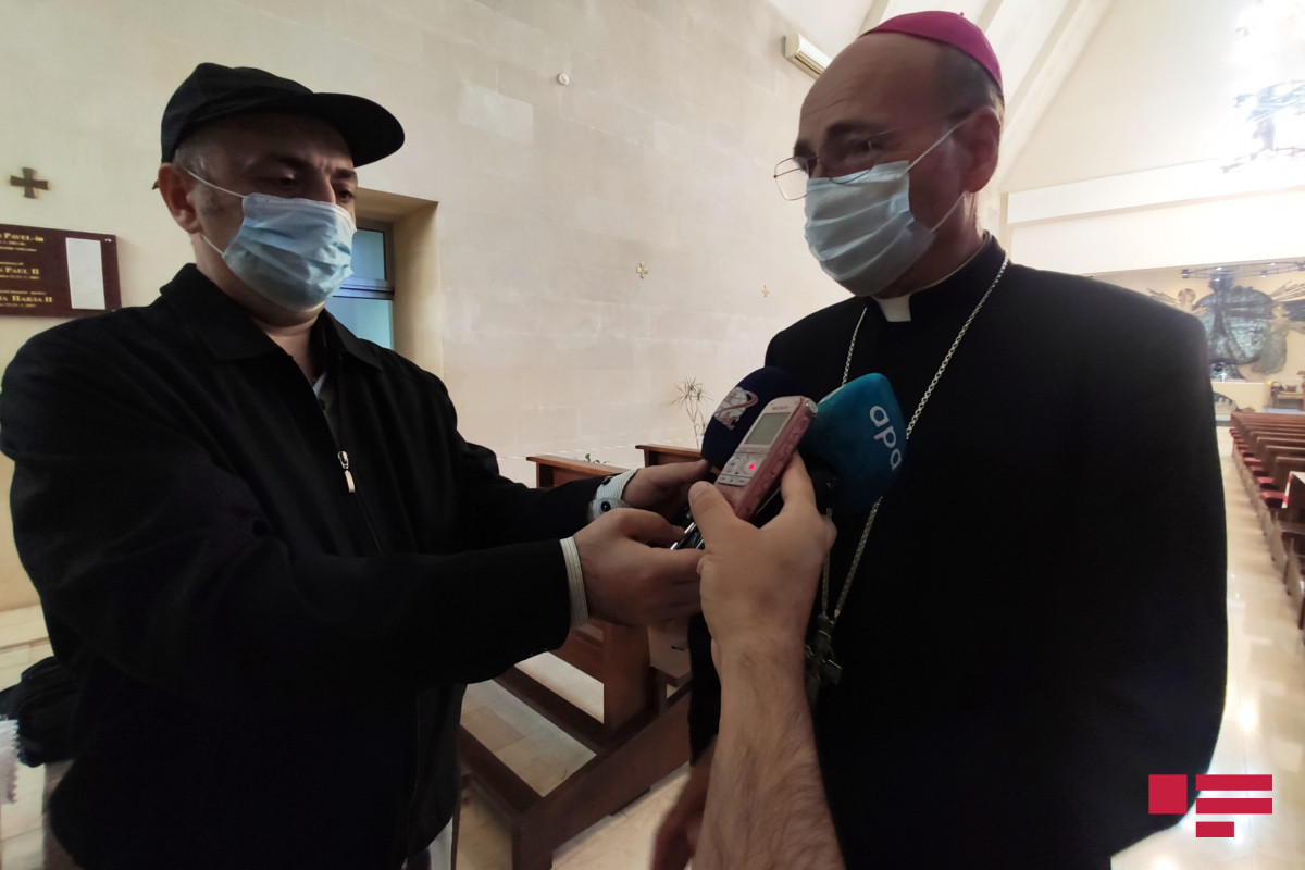 """Yepiskop Vladimir Fekete: """"Allah bizə azad edilən torpaqların tezliklə məskunlaşdırılması üçün yardımçı olsun"""""""