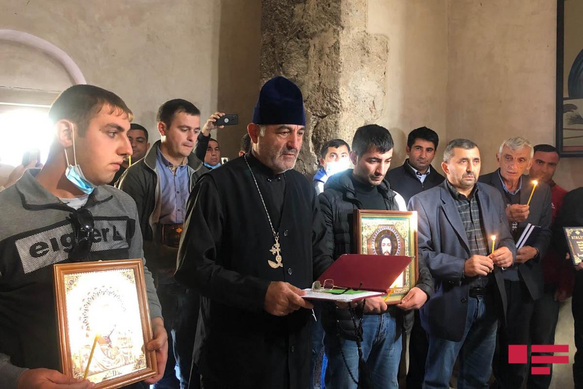 По случаю Дня памяти в монастыре Худавенг были прочитаны молитвы за упокой душ шехидов