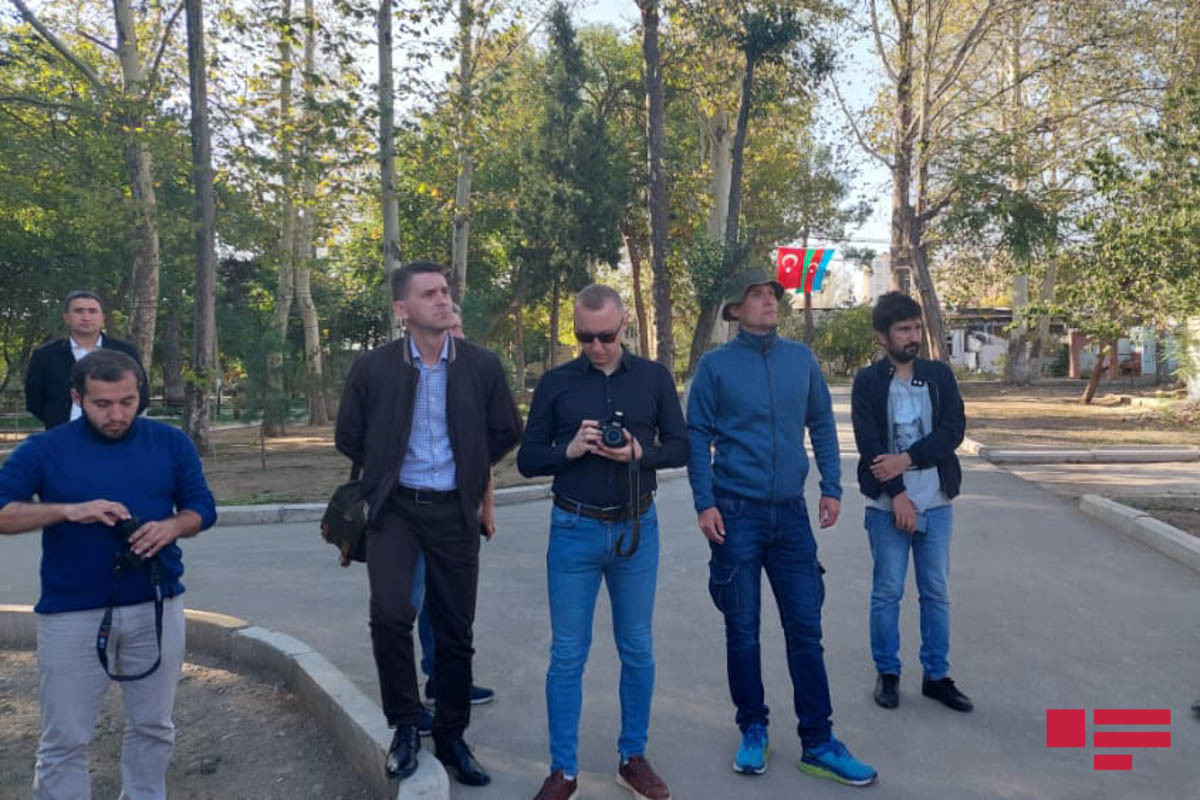 """Ukrainian journalists visit areas in Ganja, subjected to missile strikes by Armenia-<span class=""""red_color"""">PHOTO"""