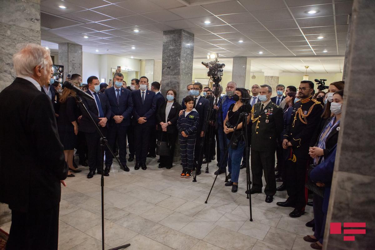 """В Москве отметили День памяти, посвященный годовщине начала Отечественной войны-<span class=""""red_color"""">ФОТО"""