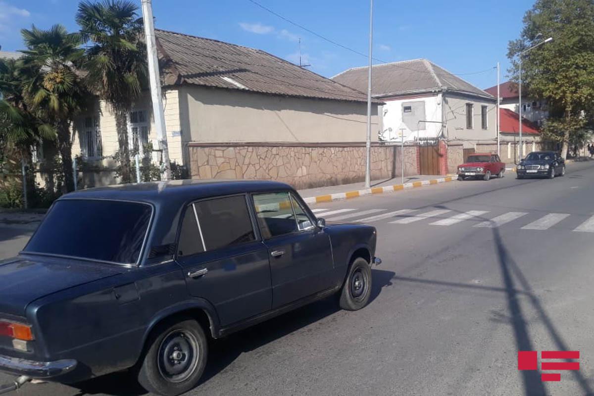 В Товузе автомобиль сбил школьника