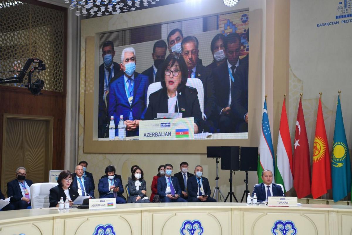 На пленарном заседании ТюркПА председатель Милли Меджлиса рассказала о стратегическом значении Зангезурского коридора