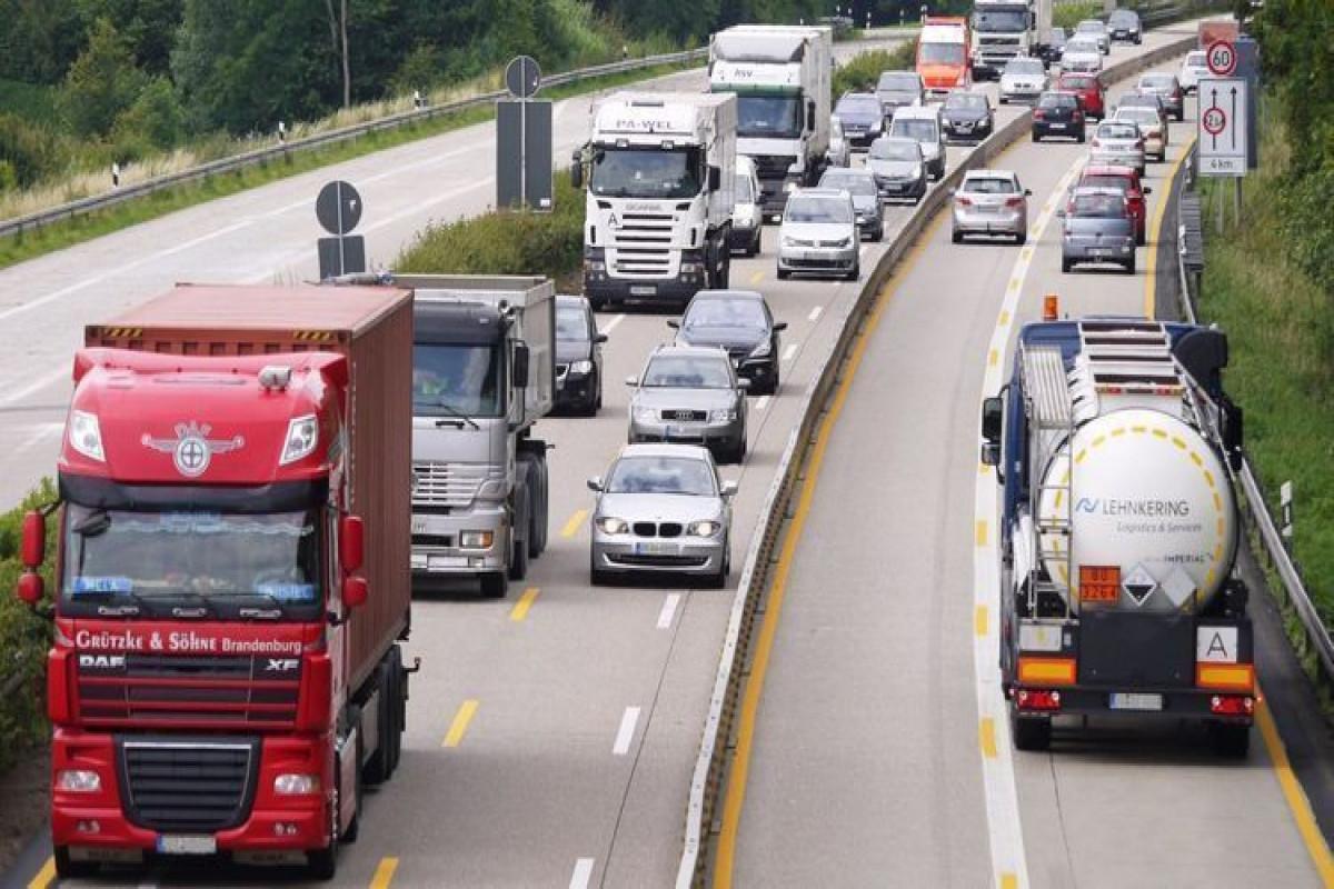 İran Azərbaycan və Rusiya ilə avtomobil əlaqəsini bərpa etməyə hazırlaşır
