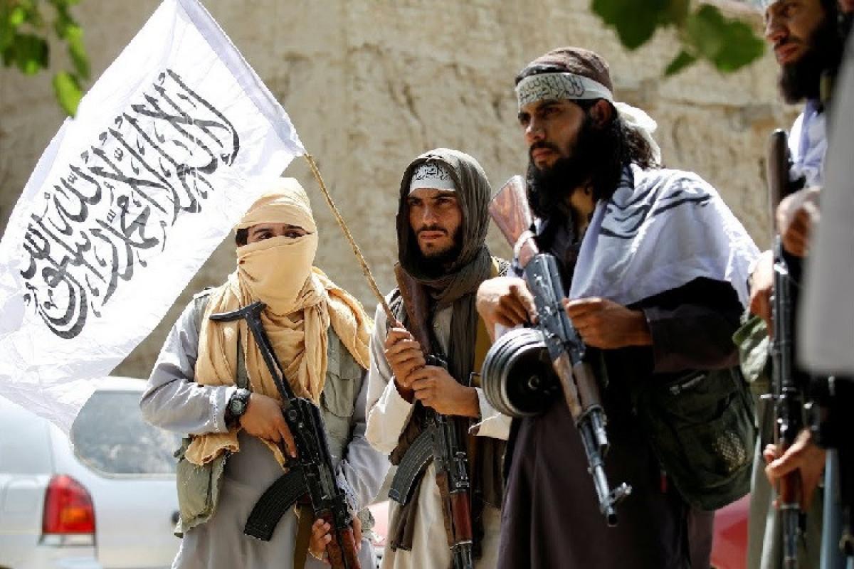 """""""Taliban"""" ABŞ-ı Əfqanıstanın hava məkanını pozmaqda günahlandırıb"""